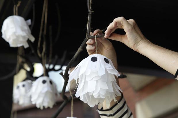 Se volete realizzare dei fantasmi com decorazione per Halloween 1d489cbe79e4